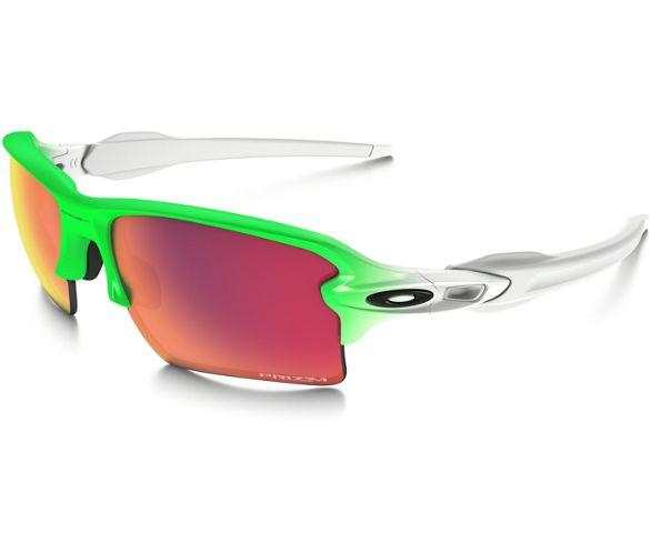 23d1b10e9a30 170 Spr Still Accessories Sunglasses Prada Poshmark Black Available vwPxqnBI