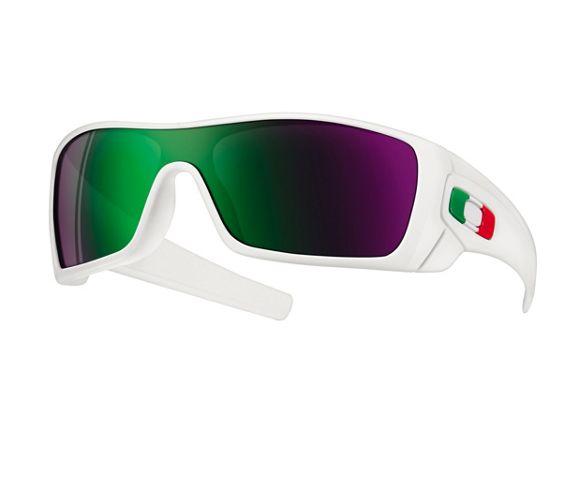 a473055648 Oakley Batwolf Sunglasses - Italy